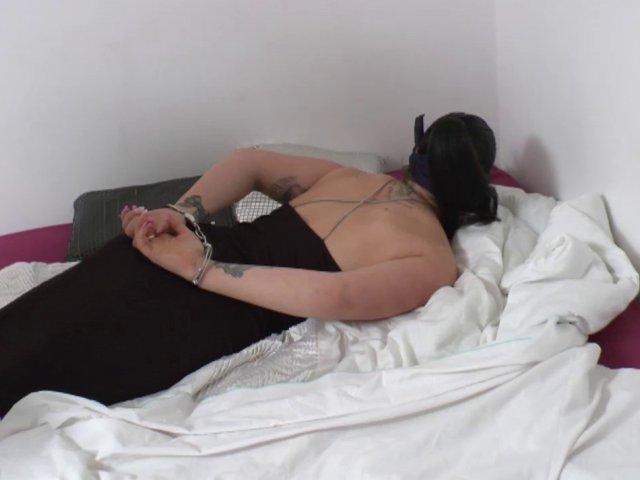 fille la plus sexy soumia fait la pute a domicile