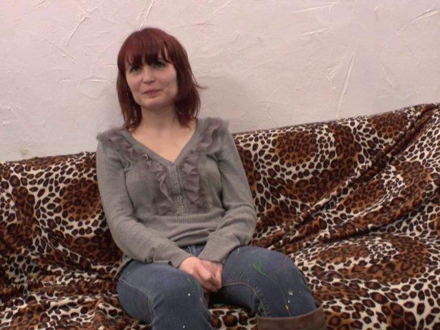 Premier casting porno anal pour cette jeune amatrice Française
